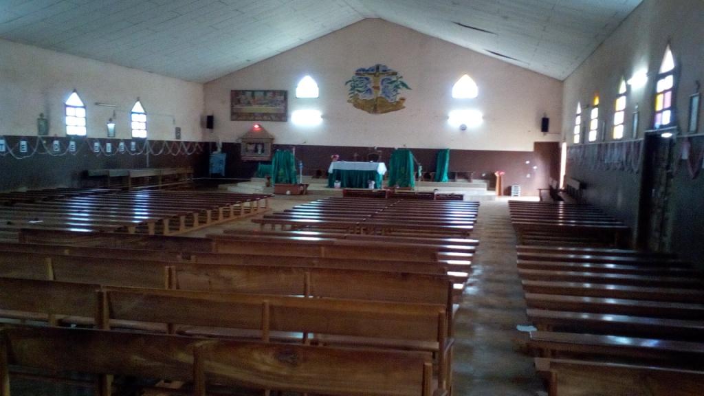 Famwa (14) Intérieur de l'église
