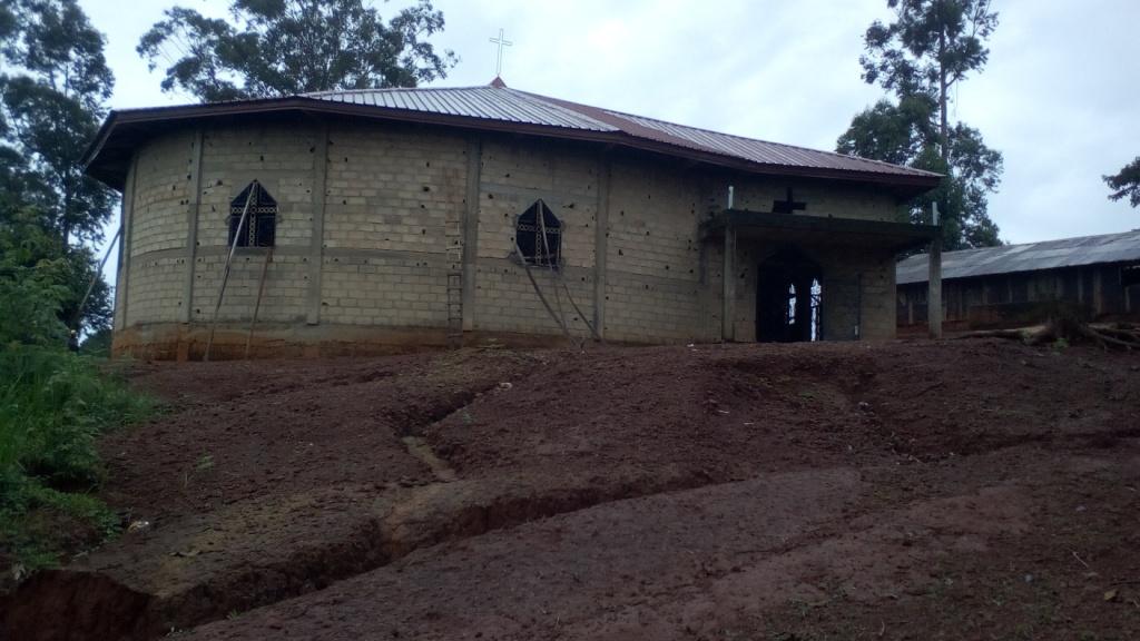 Mbem (1) Nouvelle église en construction